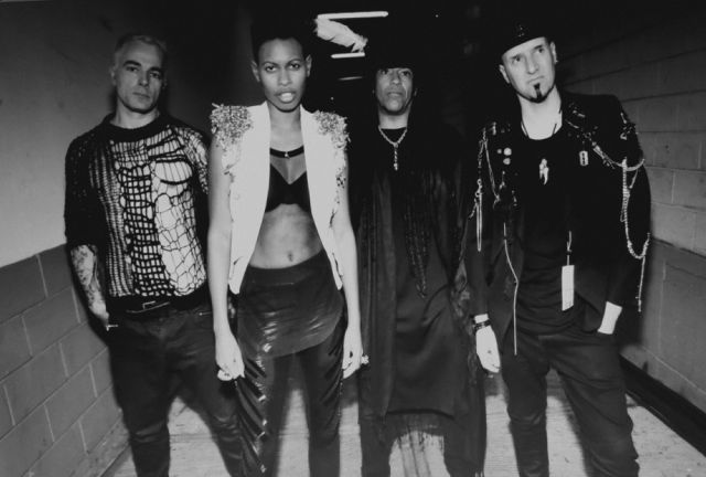 SKUNK ANANSIE - SECRETLY (LIVE IN LONDON) - TO JEDNA Z NAJNOWSZYCH PROPOZYCJI DO NRD w artykule SKUNK ANANSIE - SECRETLY (LIVE IN LONDON) W PROPOZYCJACH DO NRD [VIDEO]