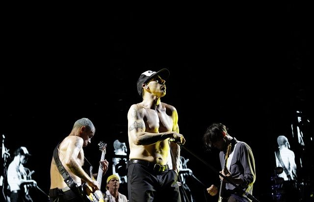 "RED HOT CHILI PEPPERS w artykule KULTOWA GODZINA W CZWARTEK: MAMY DLA WAS DVD RED HOT CHILI PEPPERS ""GREATEST VIDEOS""!"