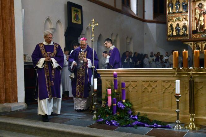Rozpoczęcie Adwentu w koszalińskiej katedrze
