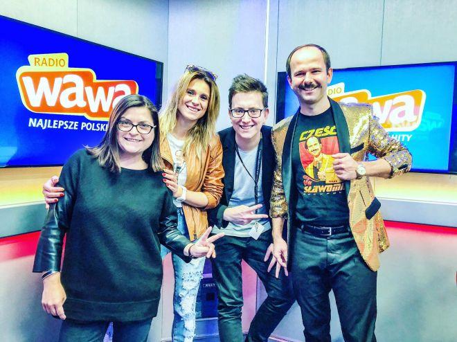 Sławomir i Kajra odwiedzili studio Radia WAWA w trakcie wyjątkowej premiery utworu Weekendowy Korsarz