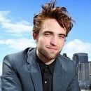 Robert Pattinson koczy 27 lat!
