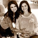 Mama Seleny Gomez w ciy:)